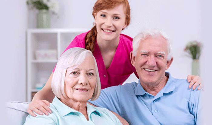 Cuidados personales para ancianos en casa.